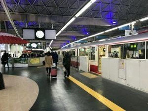 東京モノレール浜松町駅到着ホーム