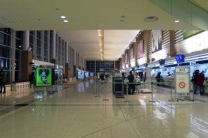 函館空港のチェックインカウンター
