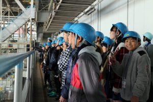 工場見学光景