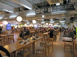 成田空港第3ターミナルのフードコートは早朝から営業している