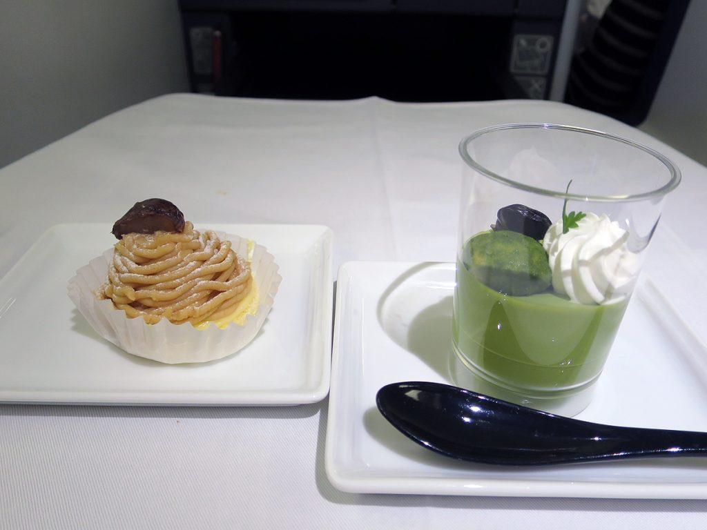 10月のデザートは抹茶ババロアとモンブラン