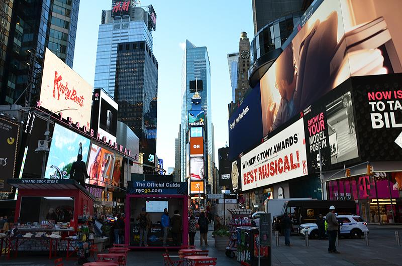 ニューヨークのタイムズスクエア