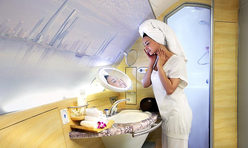 エミレーツ航空でもA380のみ搭載されているファーストクラス利用者専用の機内シャワー