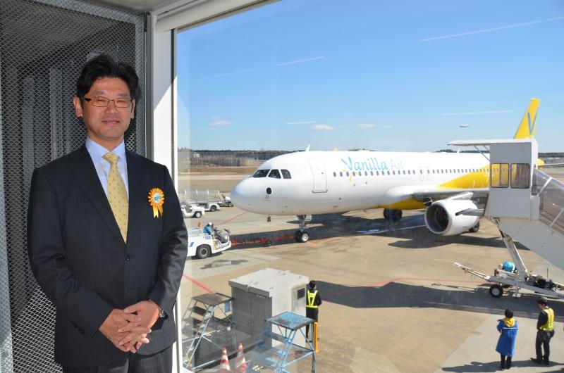 五島社長とJW953便函館行きの初便の機体(JA10VA)
