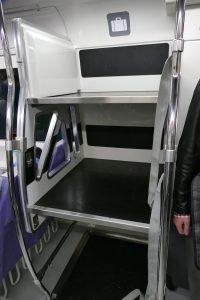MRT桃園線の直通車(エクスプレス)にはスーツケース置き場もある