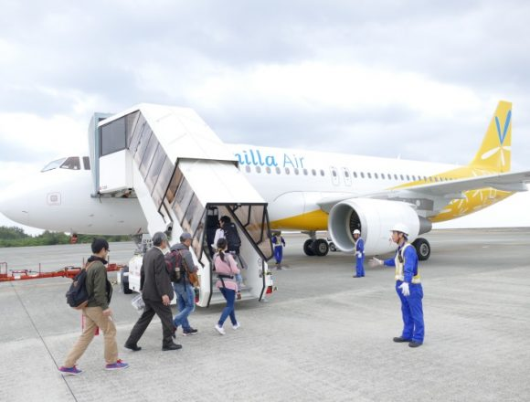 奄美大島発関西行きJW874便の初便の機体は真新しい12号機(JA12VA)