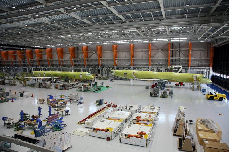 機体完成に向けて構造組立中の6号機と7号機