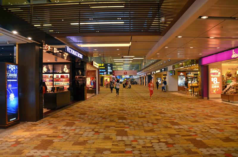 シンガポール・チャンギ空港の免税店エリア