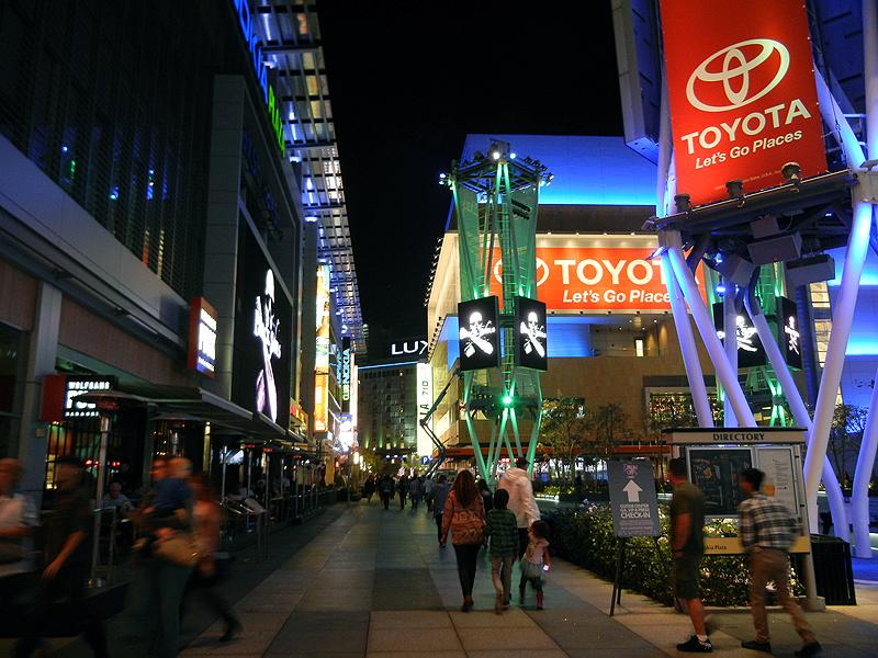 ダウンタウンにあるレストランなどが集まる「L.A.ライブ」