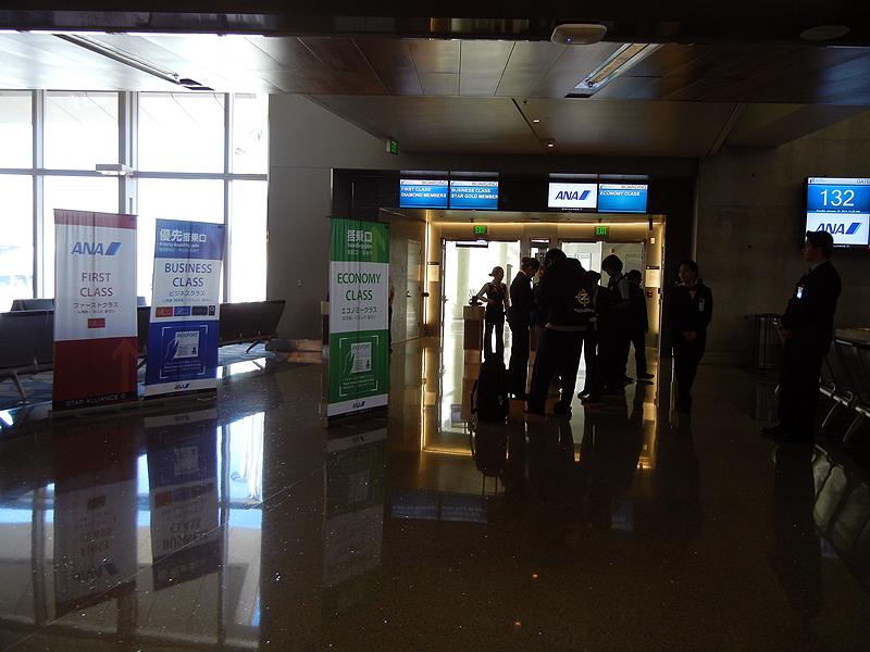 ANA便出発ゲート(ロサンゼルス空港)