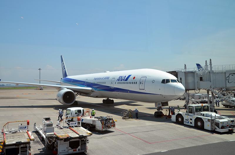 ANA469便那覇行き(ボーイング777-300型機)