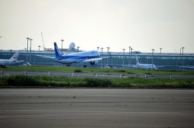 羽田空港に着陸するA321neo