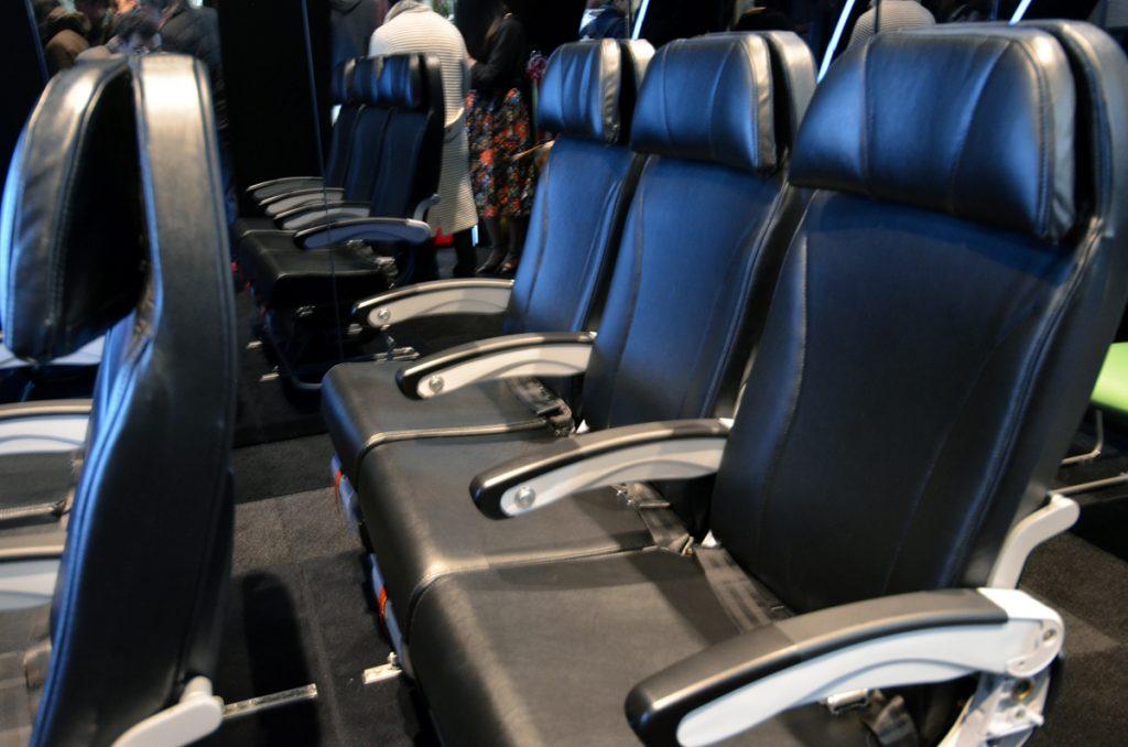 スターフライヤーのシートに営業時間内であればいつでも座ることができる