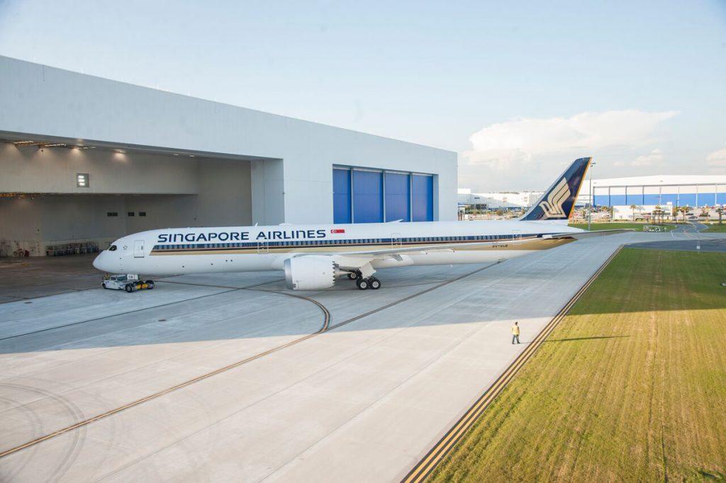 シンガポール航空が世界出始めて定期便に就航するボーイング787-10型機(シンガポール航空提供写真)