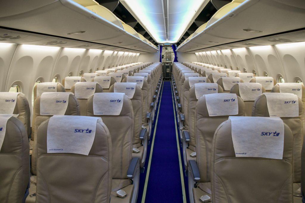 ボーイング737-800型機の機内