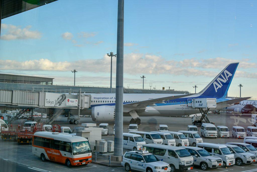羽田空港に到着したボーイング787-8型機(国際線仕様機)