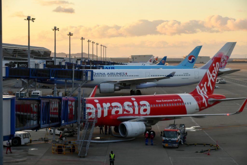 スポットに駐機中のエアアジア・ジャパン機