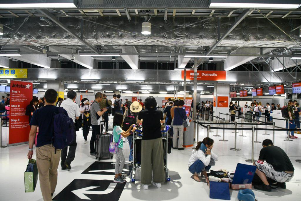 成田空港第3ターミナルのジェットスター・ジャパンチェックインカウンター